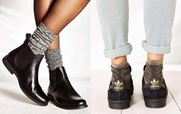 As meias lurex com glitter estão pipocando em muitas lojas fast fashion, como a Forever 21. Você pode usar o modelo com botas e tênis para deixar a produção mais alegre e descolada.
