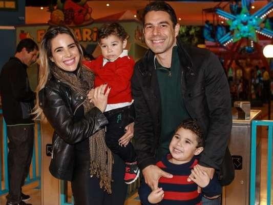 O filho caçula de Wanessa Camargo e Marcus Buaiz, João Francisco, nasceu com uma doença no pulmão, segundo o jornalista Leo Dias noticiou nesta quarta-feira, 15 de fevereiro de 2017