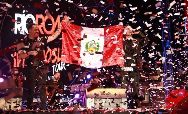 Río Roma, Camila y Sin Bandera llenaron de romanticismo Lima en el Día del Amor.