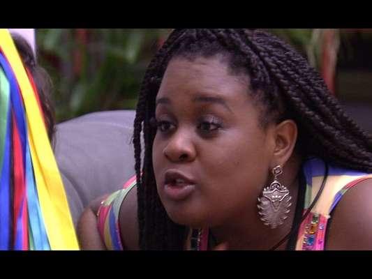 Roberta duvida da masculinidade de Daniel durante conversa com Vivian: 'Acho que ele é gay'