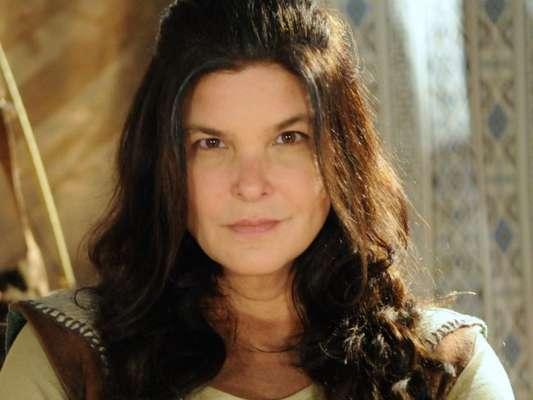 Mara (Cristiana Oliveira) escapa da prisão, nos últimos capítulos da novela 'A Terra Prometida'