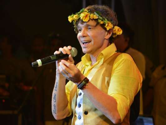 Netinho chora ao falar sobre retorno ao Carnaval em entrevista ao 'Vídeo Show' nesta quinta-feira, dia 16 de fevereiro de 2017