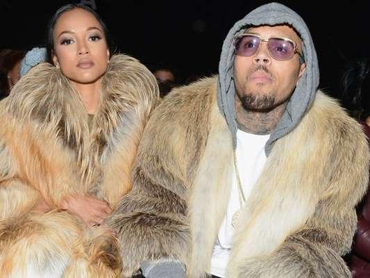 Karrueche Tran conseguiu uma ordem de restrição para impedir que o rapper Chris Brown se aproxime dela
