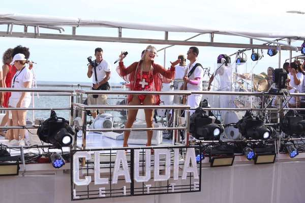 Claudia Leitte no trio Blow Out