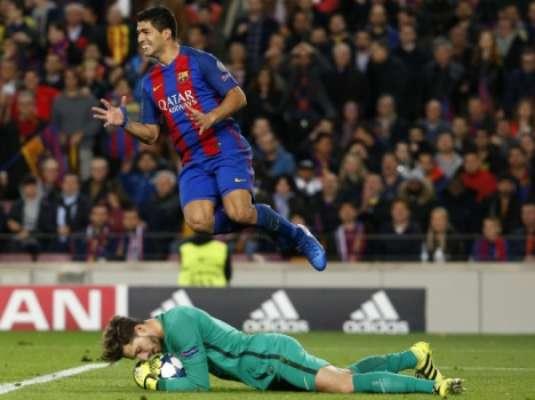 Com a classificação se perdendo, Suárez mostra descontrole diante de mais uma defesa de Trapp