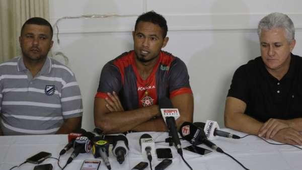 Entre protestos e reclamações, Bruno está de volta ao futebol após sete anos na prisão. Veja breve histórico da carreira