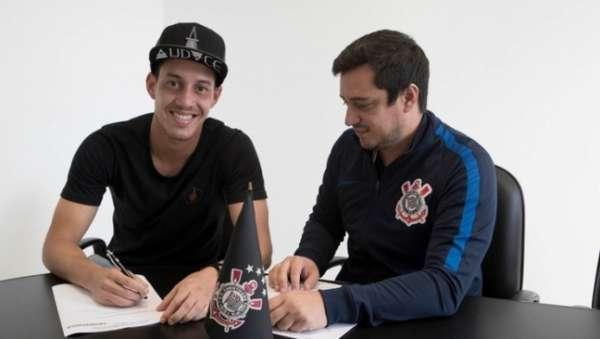 O Corinthians anunciou oficialmente a renovação de Rodriguinho até 2019