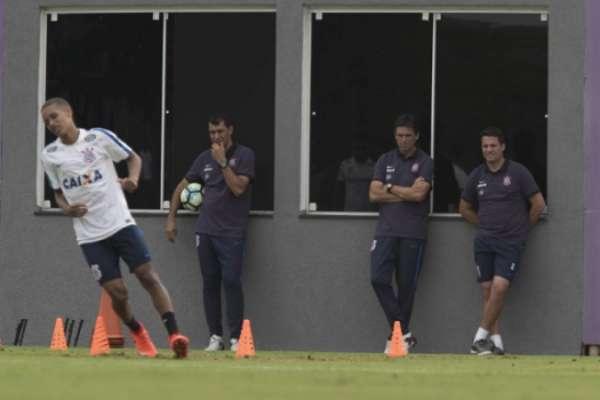 Pedrinho será titular do Corinthians diante do Red Bull, quinta