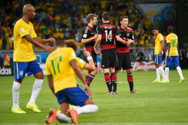 Na semifinal da Copa do Mundo de 2014, a Seleção Brasileira sofreu sua maior humilhação. Levou goleada de 7 a 1 para a Alemanha dentro de casa.