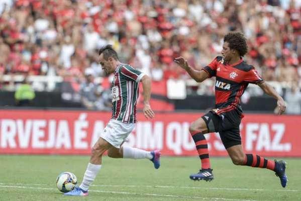 Flamengo e Fluminense vão medir forças no Kléber Andrade, em Cariacica, no Espírito Santo. A partida não é decisiva porque ambos já garantiram vaga e vantagem nas semifinais do Carioca.