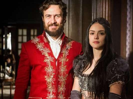 Anna (Isabelle Drummond) se casa com Thomas (Gabriel Braga Nunes) na novela 'Novo Mundo', em 21 de abril de 2017