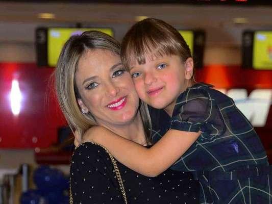 Ticiane Pinheiro dá limite para a filha, Rafaella Justus, na hora de comprar presentes: 'Só em datas'