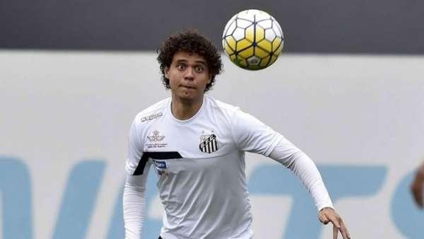 Victor Ferraz esteve nos três jogos do Santos na Libertadores