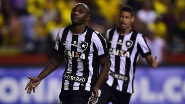 Confira a seguir a galeria especial do LANCE! com imagens do empate do Botafogo com o Barcelona, do Equador