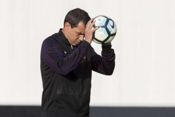 Fabio Carille, técnico do Corinthians, durante treinamento da equipe