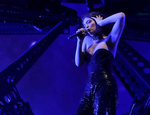 Lorde desborda sensualidad sobre el esceanrio en el segundo y último fin de semana de Coachella 2017.