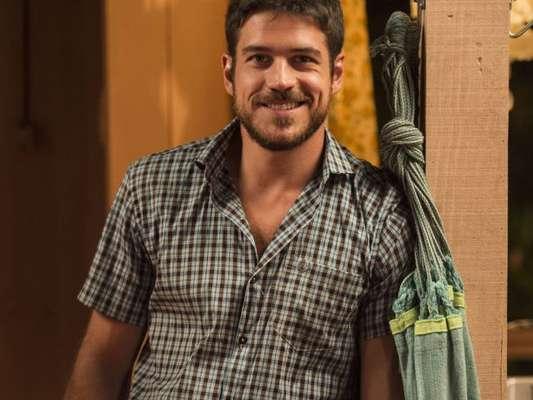 Marco Pigossi rebateu as críticas ao seu sotaque na novela 'A Força do Querer'