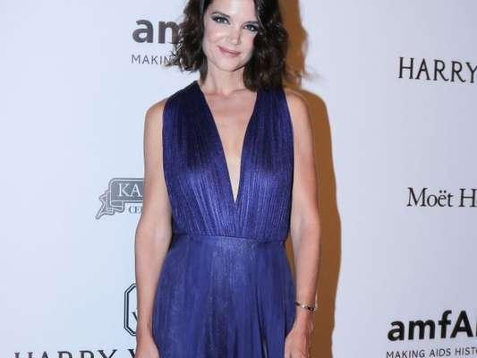 Katie Holmes usou um vestido da estilista brasileira Fabiana Milazzo no baile da amfAR, em São Paulo, na última quinta-feira, 27 de abril de 2017
