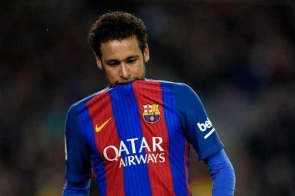 """Segundo o """"Le Parisien"""", com tanto dinheiro para investir, o PSG tem como principal alvo o brasileiro Neymar, e faria mega oferta para tirá-lo do Barcelona"""
