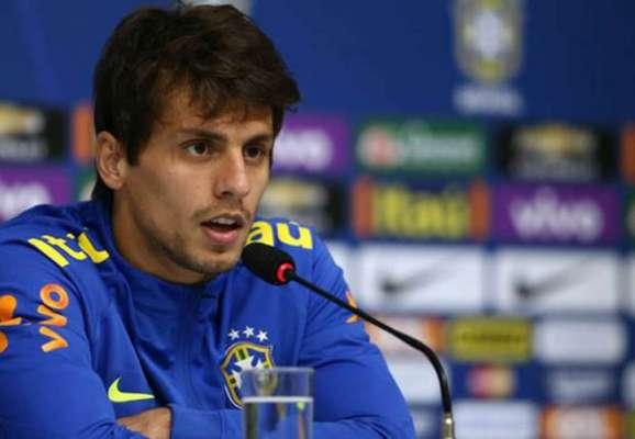 Rodrigo Caio durante passagem pela Seleção