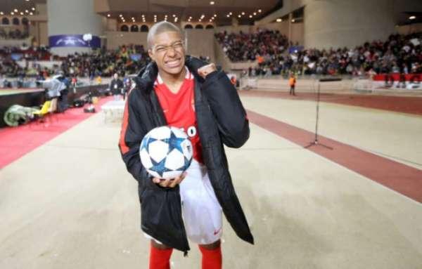 Veja imagens de Mbappé pelo Monaco