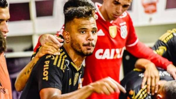 Fernando Bob foi um dos destaques da Ponte Preta no Paulista