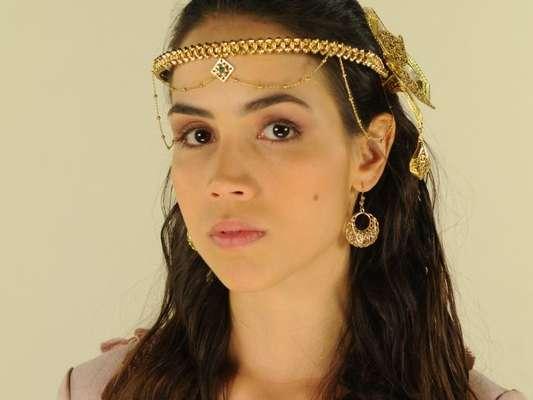 Kassaia (Pérola Faria) amaldiçoa Sammu após descobrir que a sacerdotisa tem um caso com o seu marido, Nebuzaradã (Angelo Paes Leme), nos próximos capítulos da novela 'O Rico e Lázaro': 'Que o poder a destrua'