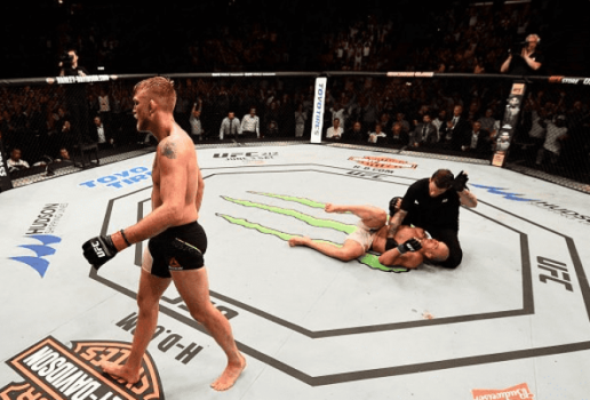 Alexander Gustafsson saiu do octógono vitorioso no UFC Fight Night