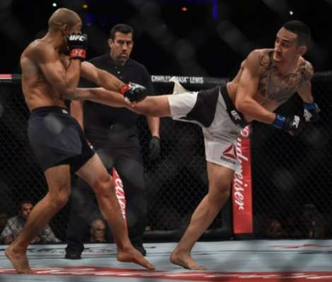 José Aldo cai para Max Holloway