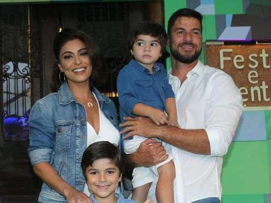 Juliana Paes é contra grito na criação dos filhos: 'Sempre busco uma história'
