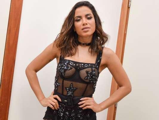 Anitta anunciou que não irá se apresentar no evento mas que tentará dar uma palinha para o público