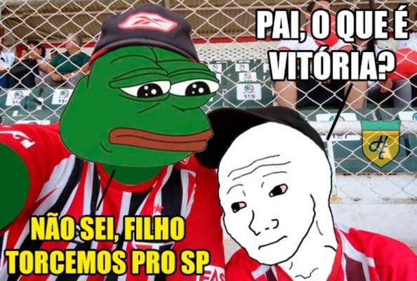 São Paulo sofre com as zoações dos torcedores rivais