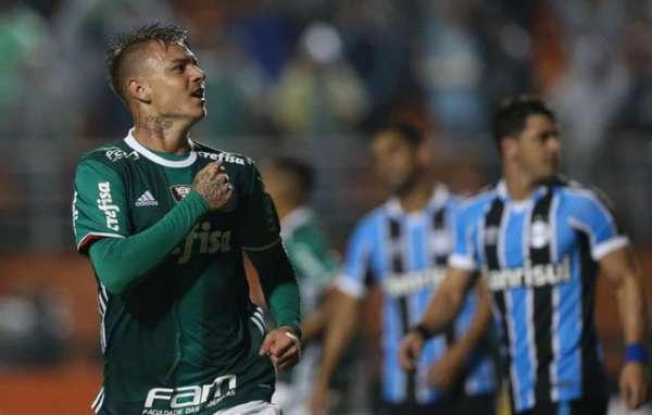 O Palmeiras liderava, com 22 pontos, sete vitórias, um empate e três derrotas. Marcara 22 gols, e sofrera 12.