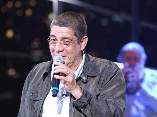 Zeca Pagodinho recebe alta após acidente de quadriciclo, em 15 de julho de 2017