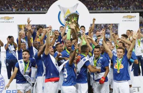 Cruzeiro: Ficou 108 rodadas na liderança do Brasileirão por pontos corridos, sendo a última na 38ª Rodada da edição de 2014. Neste período foi três vezes campeão (2003, 2013 e 2014)