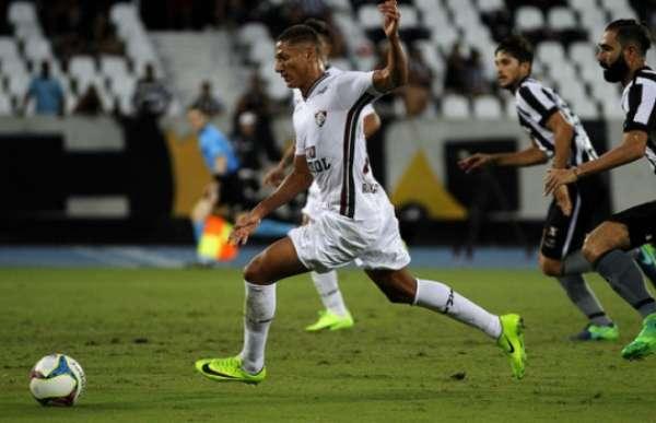 Richarlison marcou mais um gol na vitória sobre o Coritiba