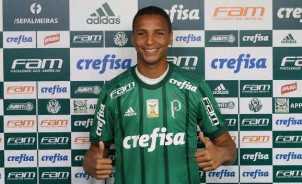 Deyverson foi apresentado ao Palmeiras