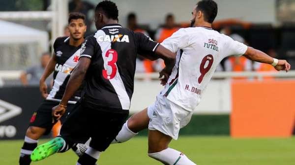 Vasco 3 x 2 Fluminense (3ª rodada) - Em São Januário, clássico teve duas viradas, com Luis Fabiano abrindo o placar para os mandantes e o rival passando à frente com dois pênaltis. Nenê marcou nos instantes finais e deu a vitória ao Vasco
