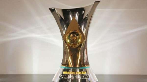Oito campeões brasileiros (Palmeiras-2016, Corinthians-2015, Cruzeiro-13/14, Corinthians-2011, Fluminense-2010 e São Paulo-2006/07) lideravam a competição após 19 rodadas. Confira como estava o G6 ano a ano antes do início do returno desde 2006 (Brasileirão com 20 clubes)...