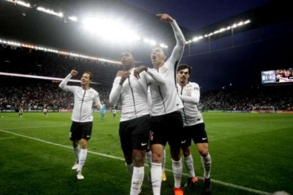 Corinthians dá uma pausa no Brasileirão ostentando 34 partidas de invencibilidade (segunda maior sequência em 106 anos de história do clube): faltam três para igualar a maior de todos os tempos, registrada há 60 anos...