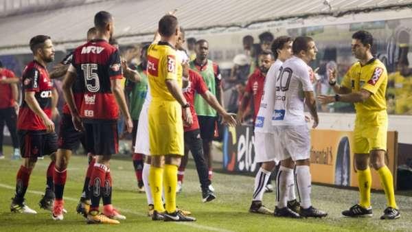 Santos acusou repórter de contato com a arbitragem