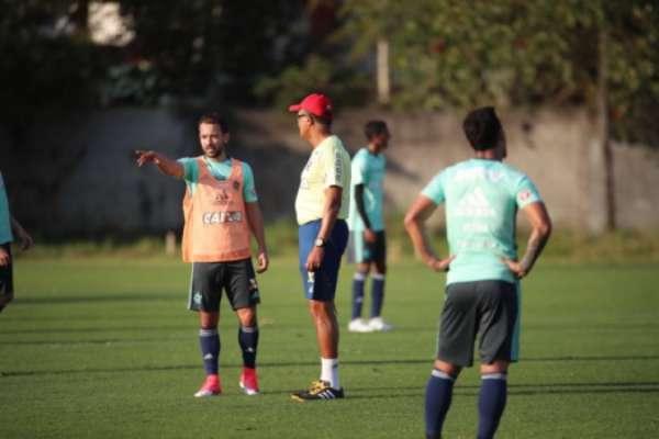 Everton Ribeiro conversa com Jayme de Almeida