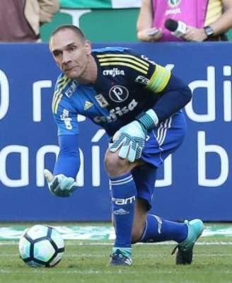 Fernando Prass foi titular contra o Atlético-PR