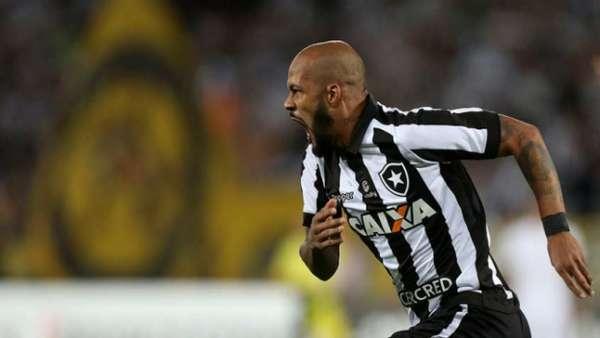 Botafogo 2 x 0 Nacional: as imagens no Nilton Santos