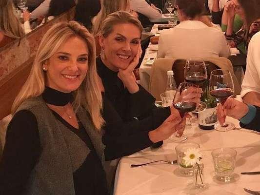 Ana Hickmann e o marido, o empresário Alexandre Correa, serão padrinhos do casamento de Ticiane Pinheiro e César Tralli