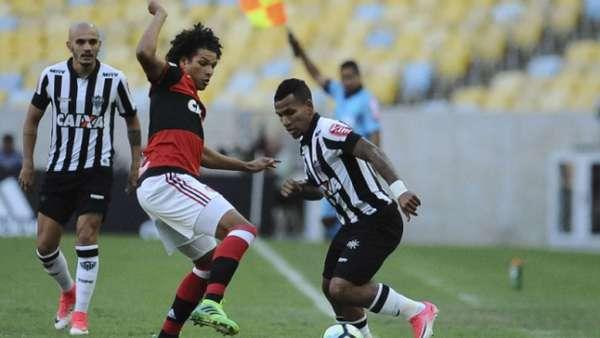 Flamengo e Atlético MG empataram em 1 a 1 no Maracanã, em jogo do primeiro turno do Brasileiro, no dia 13 de maio