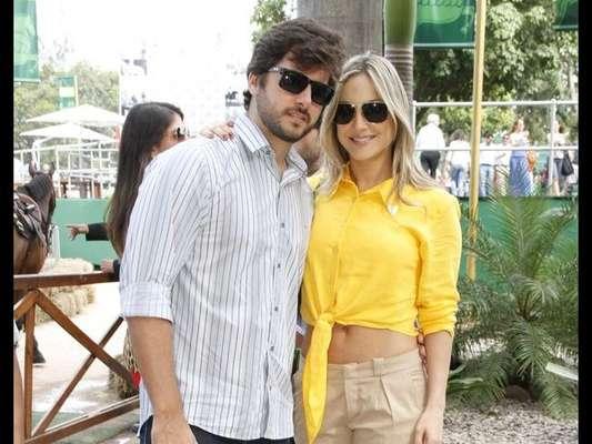 Claudia Leitte e Márcio Pedreira protagonizaram um momento de pura descontração neste sábado, 12 de agosto de 2017