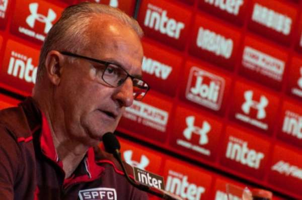 Dorival Júnior em entrevista coletiva pelo São Paulo