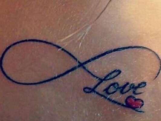 Namorada de Marcelo Rezende homenageia apresentador com tatuagem