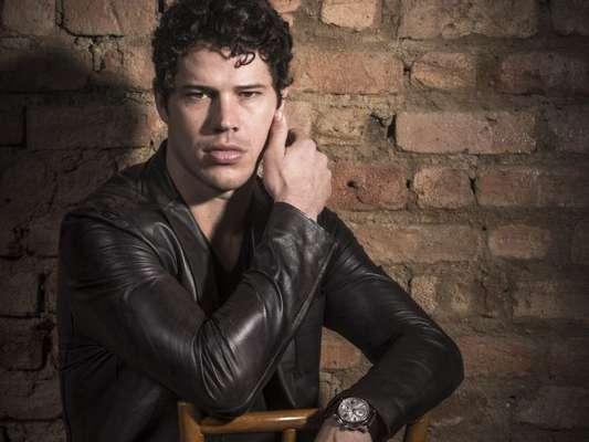 José Loreto viverá um gigolô malandro em 'Cidade Proibida', próxima série da TV Globo que estreia em setembro